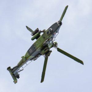 Tiger Hubschrauber im Flug Bundeswehr Fliegerhorst Erding
