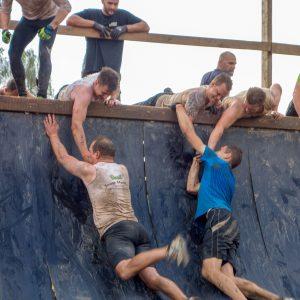 """Unterstützung Hindernis """"Everest 2.0"""" Tough Mudder"""