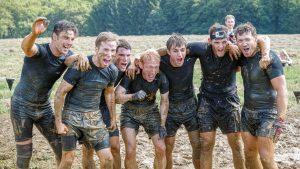 "Männer-Team Hindernis ""Pitfall"" Tough Mudder"