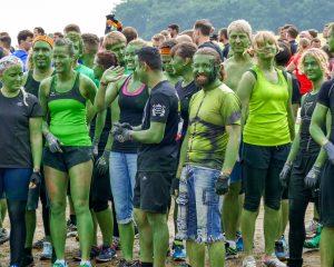 Grün gefärbtes Team Tough Mudder 2016