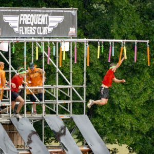 "Tough Mudder Hindernis ""Frequent Flyers Club"""